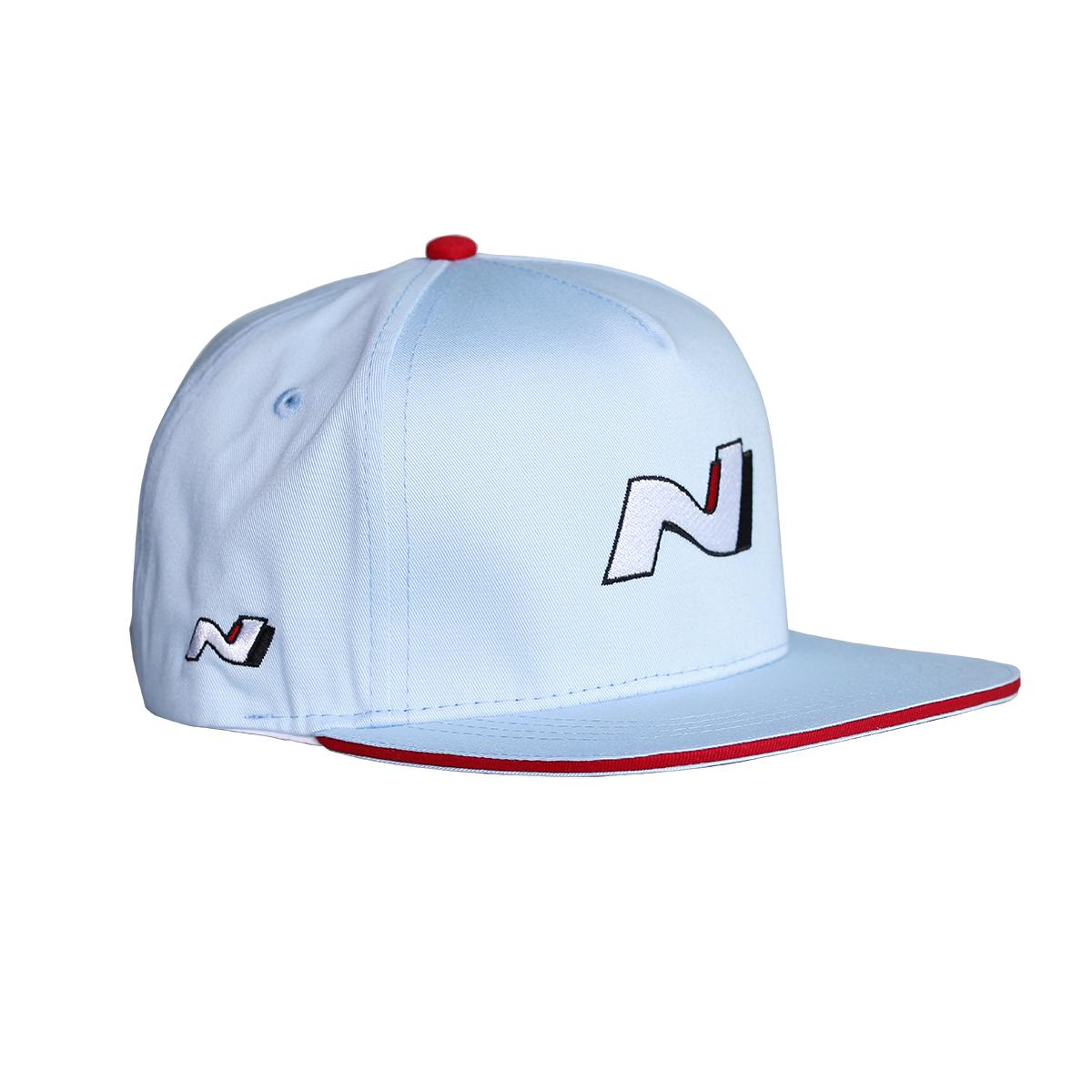 ffd6e047f228be Die moderne Flat Peak Baseball Cap der neuen i30N Kollektion ist das  perfekte Accessoire für einen sportlichen Freizeit Look.